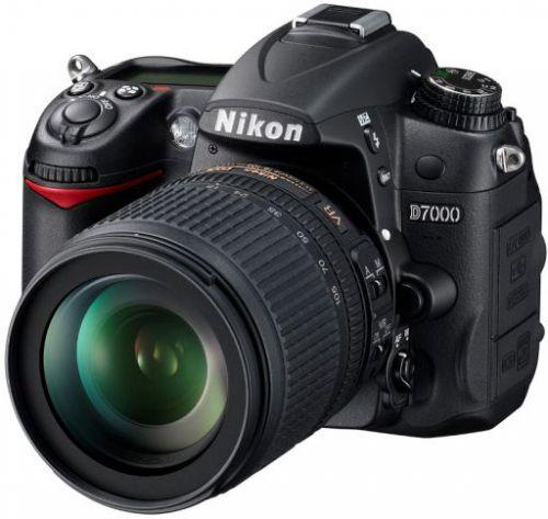 Nikon D7000 cena od 0 Kč