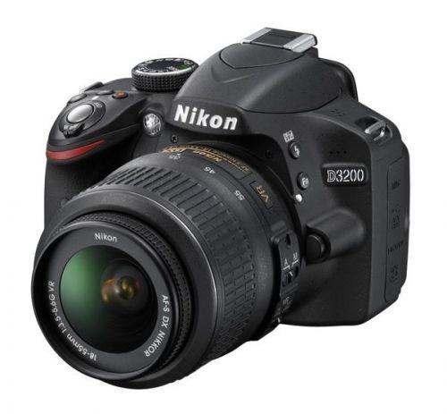 Nikon D3200 cena od 7890 Kč