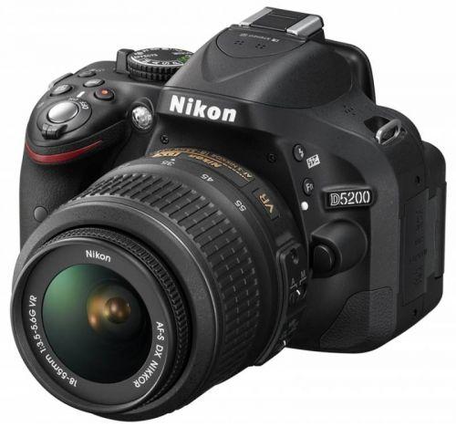 Nikon D5200 cena od 21990 Kč