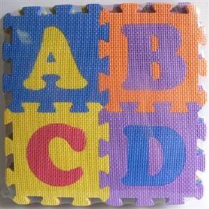 HM STUDIO Pěnové puzzle písmena a čísla 15 x 15 cm cena od 269 Kč