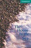 Cambridge University Press Cambridge English Readers 3 The House by the Sea: Book/2 Audio CDs pack ( Thriller) cena od 127 Kč