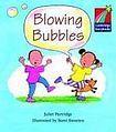 Cambridge University Press Cambridge Storybooks 1 Blowing Bubbles: Juliet Partridge cena od 70 Kč
