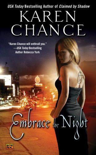 Karen Chance: Obejmi noc - Cassie Palmer 3 cena od 44 Kč