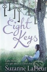 Penguin Books Eight Keys - Suzanne LaFleur cena od 231 Kč