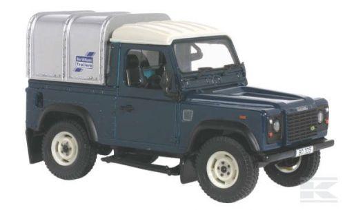 BRITAINS Off-road Land Rover Defender cena od 499 Kč