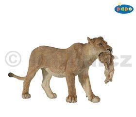 Lvice s mládětem cena od 136 Kč