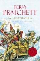 RANDOM HOUSE MONDADORI PRATCHETT, LUZ FANTASTICA - Pratchett Terry cena od 0 Kč