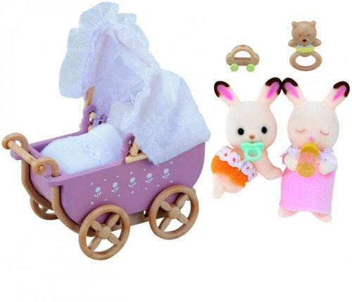 Sylvanian Families Nábytek chocolate králíků dvojče v kočárku cena od 295 Kč