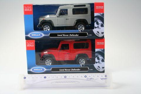 Welly Land Rover Defender 1:24 cena od 328 Kč
