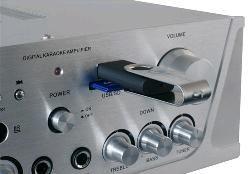 SKYTEC Karaoke zesilovač FM / USB / SD