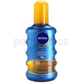 Nivea Sun Protect & Refresh sprej na opalování SPF 30 (Invisible Cooling Sun Spray) 200 ml