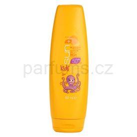 Avon Sun Kids vysoce voděodolné oranžové mléko na opalování pro děti SPF 50 (Kids Swim and Protect Sun Lotion Very Water Resistant) 150 ml