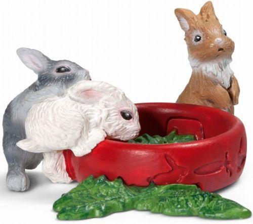 SCHLEICH Zvířátko 3 králíčci u misky s krmením cena od 110 Kč
