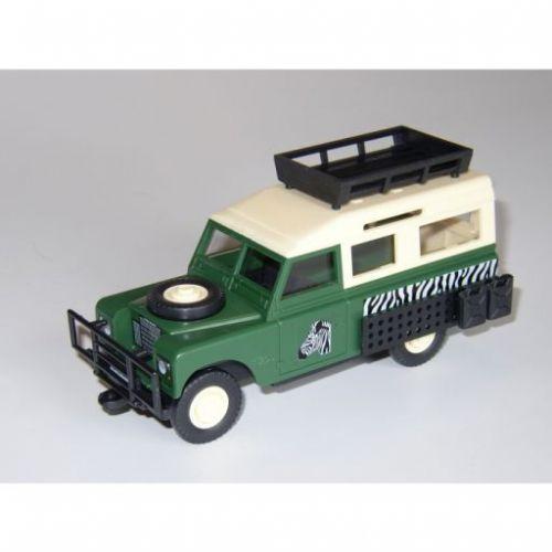 Beneš a Lát Monti System 02 Land Rover Safari Tourist