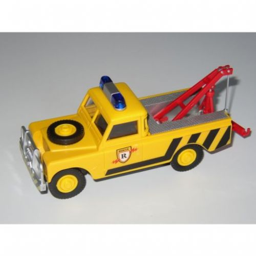 Beneš a Lát Monti System 56 Land Rover Tow Truck