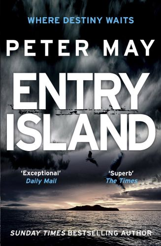 Peter May: Entry Island cena od 189 Kč