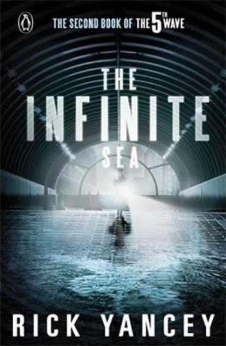 Rick Yancey: The 5th Wave (2): The Infinite Sea cena od 59 Kč
