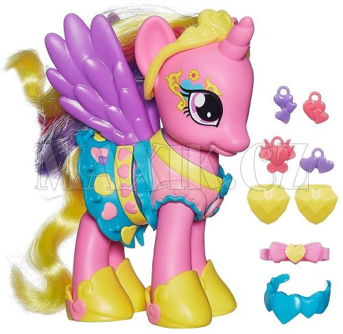 My Little Pony Kouzelný poník s oblečky a doplňky Princess Cadance cena od 399 Kč
