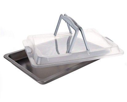 BANQUET Pečící plech s plastovým víkem 42x29x4 cm cena od 241 Kč