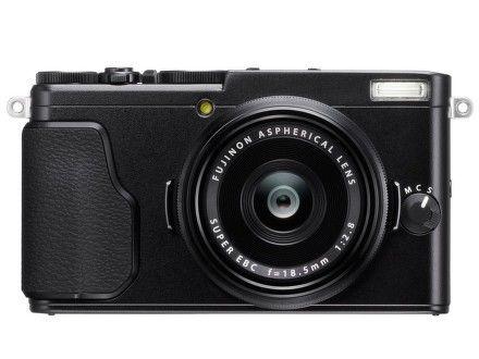 Fujifilm FinePix X70 cena od 16990 Kč