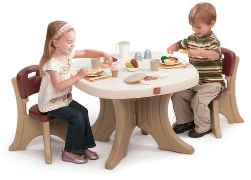 STEP2 New Traditions stůl se židlemi