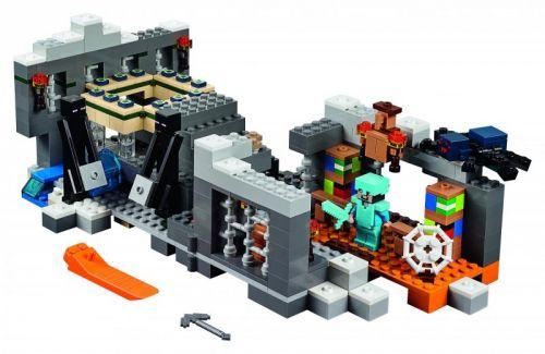 LEGO Minecraft Konečná brána 21124