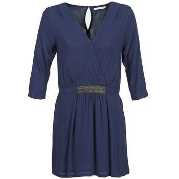 Betty London DUSTY šaty