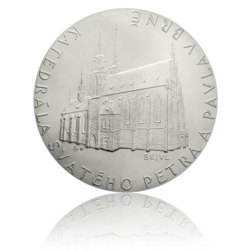 Česká mincovna Platinová investiční medaile katedrála Sv. Petra a Pavla v Brně stand
