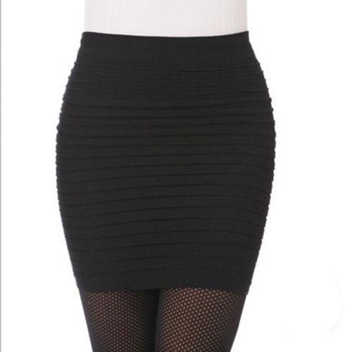 DX vrstvená Černá sukně