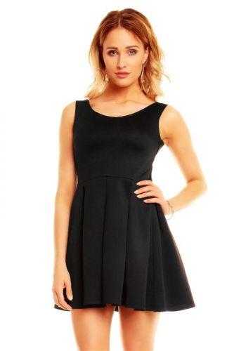 A Mayaadi, jednoduché černé šaty krátké