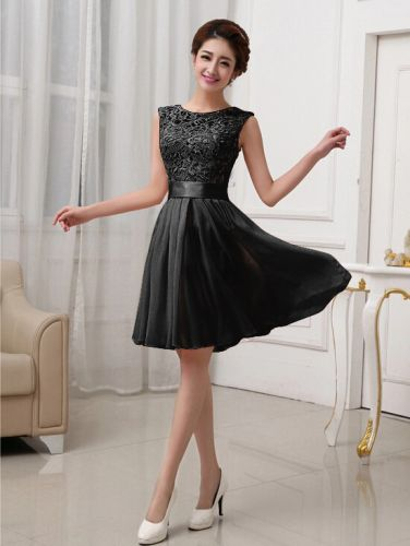 LM moda A Plesové šaty krátké s krajkou černé