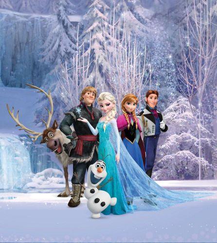 AG design Fototapeta Postavy Frozen v kouzelném lese 180 x 202 cm 2 ks