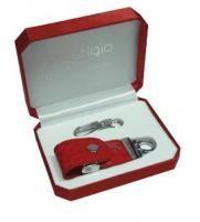 4 GB USB kľúč Prestigio Red Leather, červená koža, zamat.krabička cena od 0,00 €