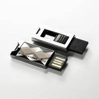 8 GB . USB kľúč ..... Silicon Power TOUCH 820, biely SP008GBUF2820V1W