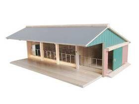 Globe farma dřevěná 57x42x21,8 cm cena od 0,00 €