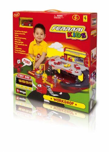 BBURAGO Ferrari Kids Workshop garáž s autíčkom